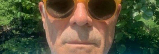 Zangrillo, selfie senza mascherina: «Modalità all'aria aperta per persone sane». E' polemica