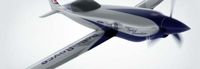 Rolls Royce presenta il primo aereo totalmente elettrico: volerà a 213 miglia all'ora