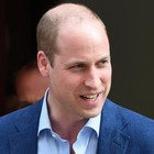 Principe William colpito dal covid in maniera dura: «Ha lottato per respirare. Famiglia reale in preda al panico»