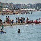 Ostia, domenica al mare, boom di presenze: traffico impazzito sulla litoranea per sosta selvaggia