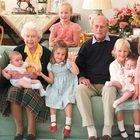 Principe Filippo, la tenera foto con i pronipoti. Ma manca il figlio di Meghan e Harry: «Non è un mistero...»