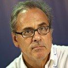 Covid, l'infettivologo Stefano Vella: «Il virus potrebbe tornare dai voli internazionali, non gli serve carta d'imbarco»
