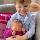 Chiara Ferragni, la prima foto di Leone e Vittoria. Il bimbo s'ingelosisce, la sua reazione spiazza tutti: «Ma che fa?»