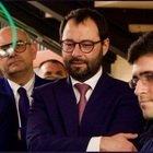 Il ministro Stefano Patuanelli a Live non è la D'Urso: «Non posso dire oggi se aumenteremo le restrizioni il 3 aprile»
