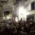 Lucca, feste e balli in piazza: violate le norme anti-Covid