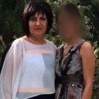 La 21enne ha tentato il suicidio dal terzo piano: illesa