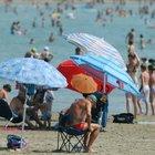 Fase 2, spiagge libere: regole per l'estate 2020. Previsto anche qui un vigilante per il rispetto delle distanze
