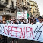 No green pass, corteo senza autorizzazione a Milano: identificati i partecipanti e denunciati