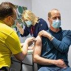 Il principe William si vaccina contro il Covid