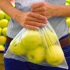 """Sacchetti biodegradabili a pagamento, ecco l'alternativa. Legambiente: """"Non li produce solo un'azienda"""""""