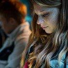 Ansiose, irritabili e giù di umore: la salute mentale delle adolescenti è peggiorata