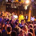 Focolaio Covid in una discoteca di Bordeaux, contagiate 81 persone: da domani scatta il Green Pass obbligatorio