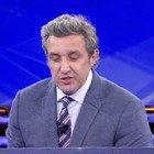 Flavio Insinna, l'errore incredibile del concorrente all'Eredità. Fan allibiti: «Da arresto...»