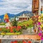 Val D'Aosta, il piccolo borgo raggiungibile solo a piedi o in funivia