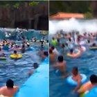 Onda anomala in piscina travolge i bagnanti: 44 feriti per un guasto