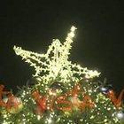 Lo spettacolo delle luci di Spelacchio a Piazza Venezia
