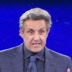 Flavio Insinna, la domanda all'Eredità fa infuriare i fan: «Era impossibile, non è giusto...»