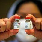 Astrazeneca, l'Europa stoppa il vaccino di Oxford: «In via prudenziale, ma è sicuro»