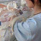 Ferrara, donna in terapia intensiva dà alla luce un bambino