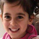 Bimba di 2 anni muore all'asilo soffocata da un pezzo di salsiccia. La famiglia: «Inammissibile dare alcuni cibi ai bambini»