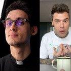 """«Fedez mi ha censurato»: il prete """"yotuber"""" don Alberto Ravagnani accusa il rapper. E lui reagisce così"""