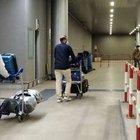 Dall'India falsi tamponi per arrivare a Fiumicino: «Con 20 euro si prende l'aereo anche se malati»