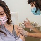 Vaccini, seconda dose AstraZeneca o Pfizer