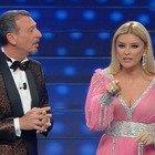 Sanremo 2020, Amadeus presenta Alketa Vejsiu. Ma lei spiazza tutti: «Ma che è?»