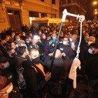 Napoli, notte di proteste e blocchi stradali dei commercianti