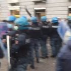 Napoli, proteste e scontri
