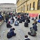Scuola, protesta degli studenti del liceo Cavour