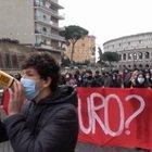 Riapertura scuole, la protesta del liceo Cavour di Roma a pochi passi dal Colosseo