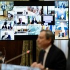 Covid, Draghi alle regioni: «Programmare riaperture già da ora, servono sincera collaborazione e obiettivi comuni»