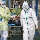 Milano, il medico d'ospedale nell'area Covid-19: «Esaudiamo gli ultimi desideri, un camice bianco nella bara»