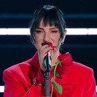 Arisa si esibisce per prima a Sanremo 2021. Ma i fan notano un dettaglio: «Cos'ha? L'ha dimenticato...»