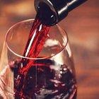 Il vino fa bene (soprattutto agli over 60): quanto berne per ritardare l'invecchiamento