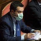 Conte in Senato, i senatori in aula con le mascherine e l'Amuchina
