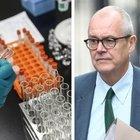 Covid, lo scienziato britannico in Parlamento: «Il vaccino non basterà, il virus diventerà come influenza stagionale»