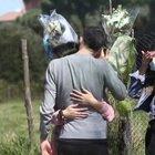 L'omaggio dei giocatori della Lazio Primavera nel luogo dell'incidente