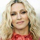 Da Djokovic a Bocelli: star in tilt sul Covid. L'ultima è Madonna. Scivolone social per Lady Ciccone: Instagram la oscura