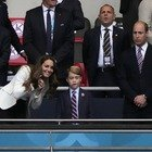 Da William e Kate (con il principino George) a David Beckham, da Tom Cruise a Kate Moss. Tutti i vip presenti a Wembley