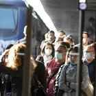 Covid, i treni da Roma nord stracolmi. Pendolari infuriati con l'Atac: «E' una bomba epidemica»