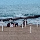 Jesolo, sesso sfrenato in spiaggia: scatta l'applauso dei passanti