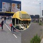 Fase 2, riaperture: le lunghe code degli italiani per entrare da Ikea
