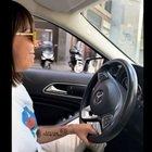 Malika: «Ho 22 anni, volevo togliermi uno sfizio». Compra una Mercedes con i soldi delle raccolte fondi