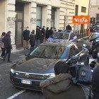 Conte lascia Palazzo Chigi per andare a rassegnare le dimissioni a Mattarella
