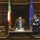 Fico: «È nata Maria Costanza, figlia della deputata Fdi Varchi». Applausi in aula