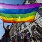 Torino, due ragazze aggredite perché avevano il simbolo Lgbt sulla borsa