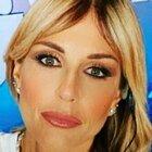 Arianna David, ex Miss Italia, a Domenica Live: «Mazzate dal mio ex e mi ha puntato una pistola alla testa»
