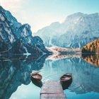 Il Lago di Braies, la perla delle Dolomiti che chi ama la montagna deve raggiungere